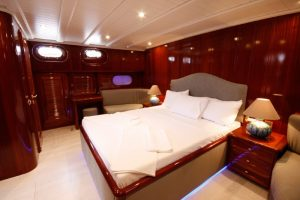 weekly-rent-yatch
